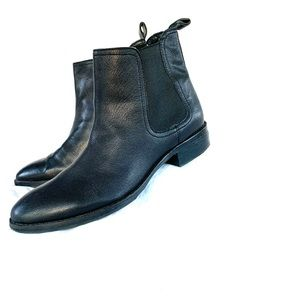 Women's Black Leather Chelsea Boot Size 8m